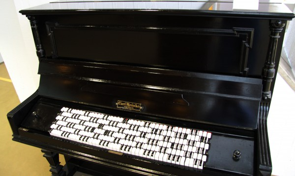 Piano with Jankó keyboard at the MIM, Berlin