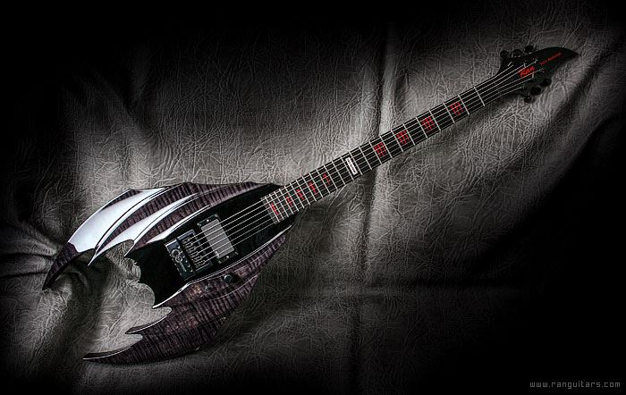 Batman style custom guitar (Ran)