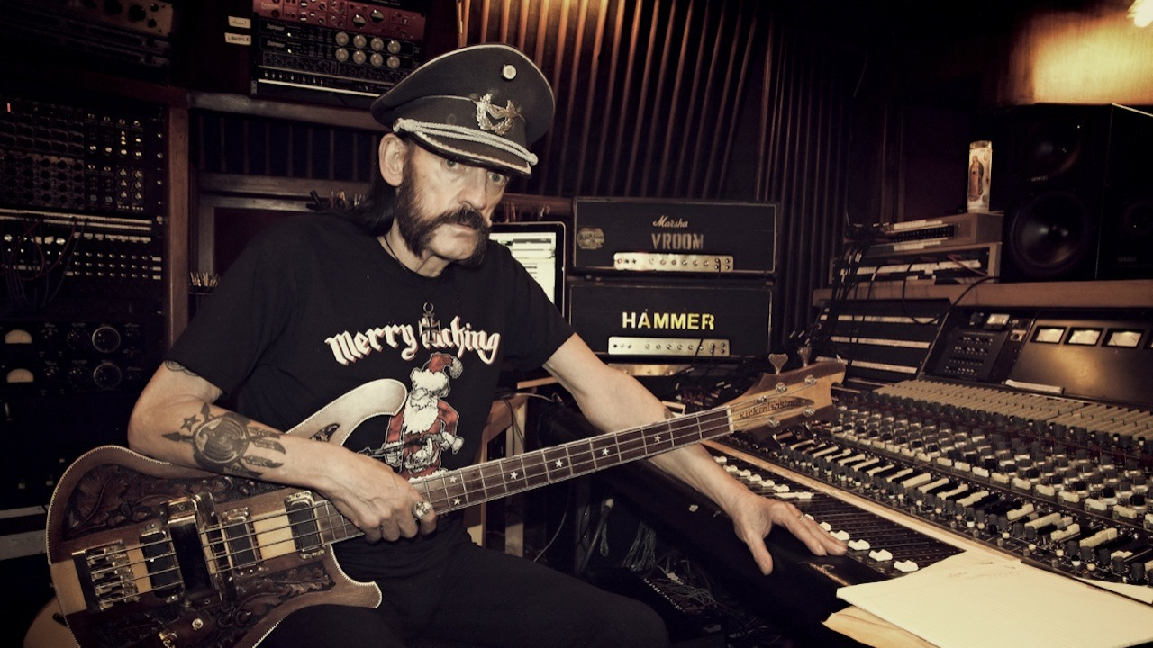 Lemmy_in_the_studio-March_2015-Photo_by_Mörat