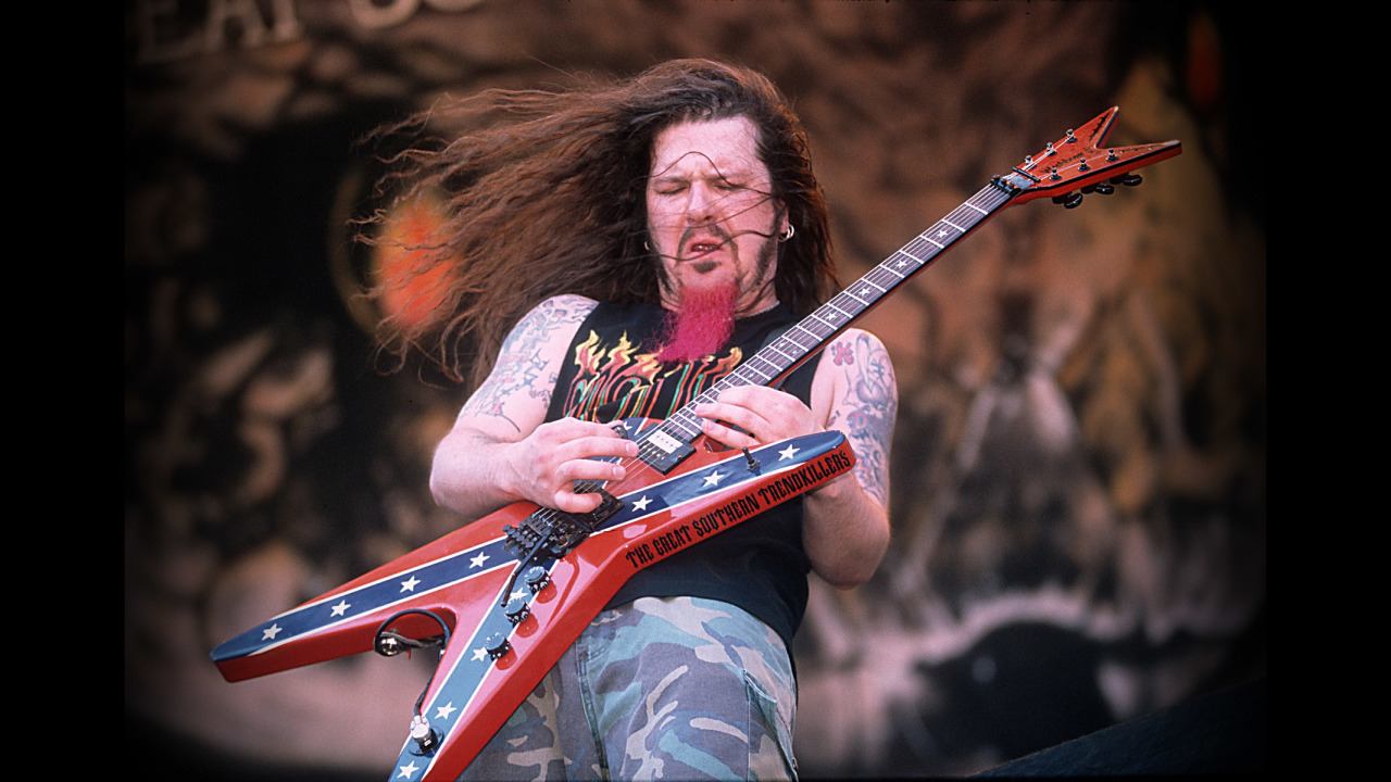 UNSPECIFIED - JANUARY 01:  Photo of Dimebag DARRELL and PANTERA; Dimebag Darrell performing on stage  (Photo by Mick Hutson/Redferns)